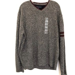 NWOT Tommy Hilfiger 100% Lambswool V-Neck Sweater